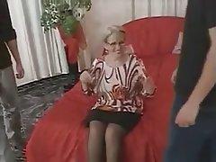 Blowjob Cumshot German Granny Threesome