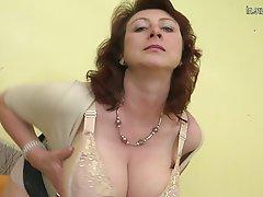 Amateur Big Boobs Granny Mature MILF