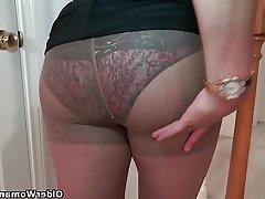 Mature MILF Pantyhose