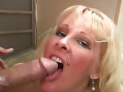 Blonde Mature MILF Swinger